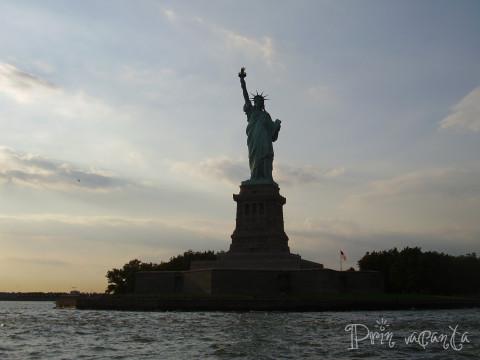 NYC-2007_Liberty-Statue-2