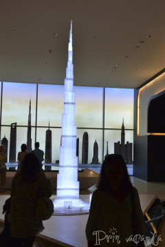 Dubai_Burj Khalifa 5