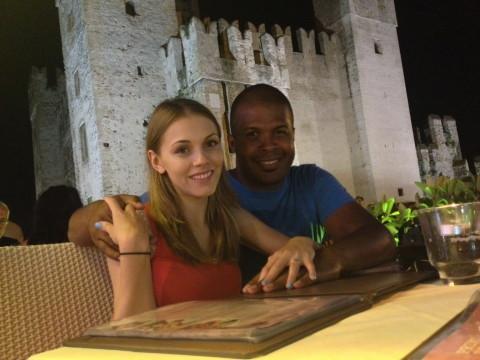 8. Cabral si Andreea Ibacka in italia - Cetatea din Sirmione_resize