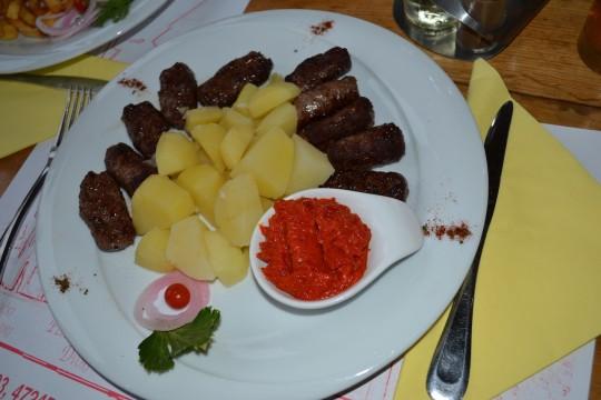 Croatia_Plitvice_cevapcici 1