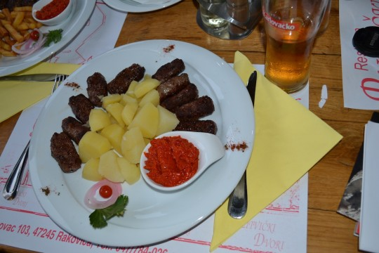 Croatia_Plitvice_cevapcici 2
