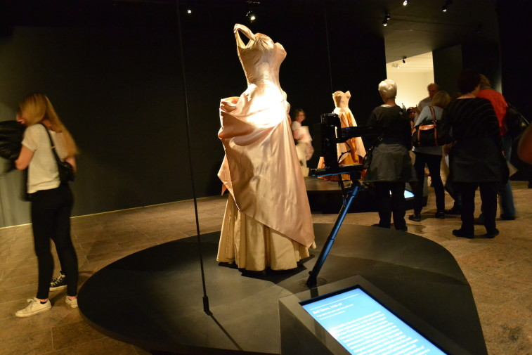 NYC_MET_Charles James 12