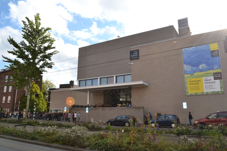 Amsterdam_Muzeul Van Gogh 1