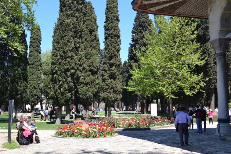 Istanbul_Topkapi_Second Court 0
