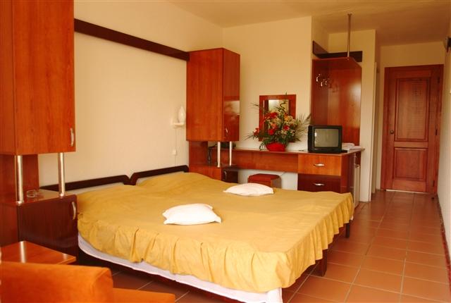 HOTEL-DELTA-CAMERA-TWIN