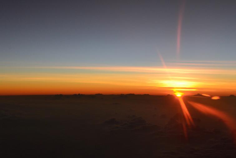 Maldive_Avion_rasarit soare