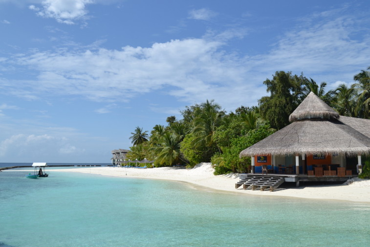 Maldives_snorkeling_Ellaidhoo resort_1