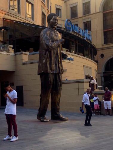Africa de Sud_Johannesburg_Nelson Mandela Sq