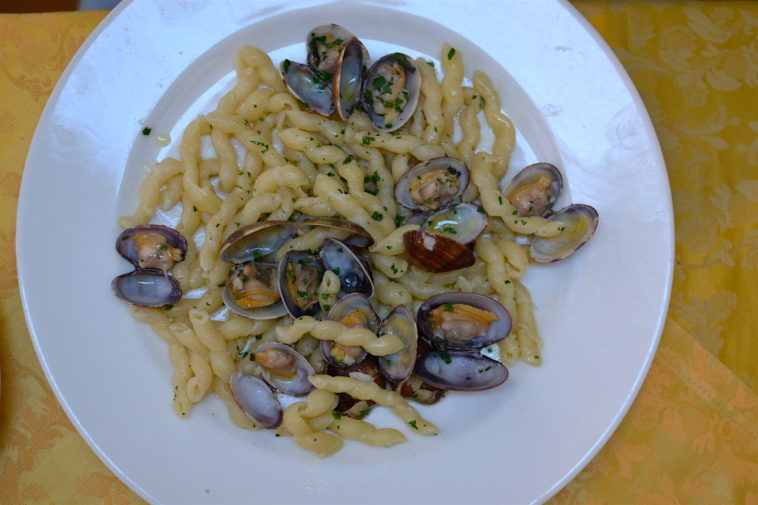 Italia_food_Sorrento vongole