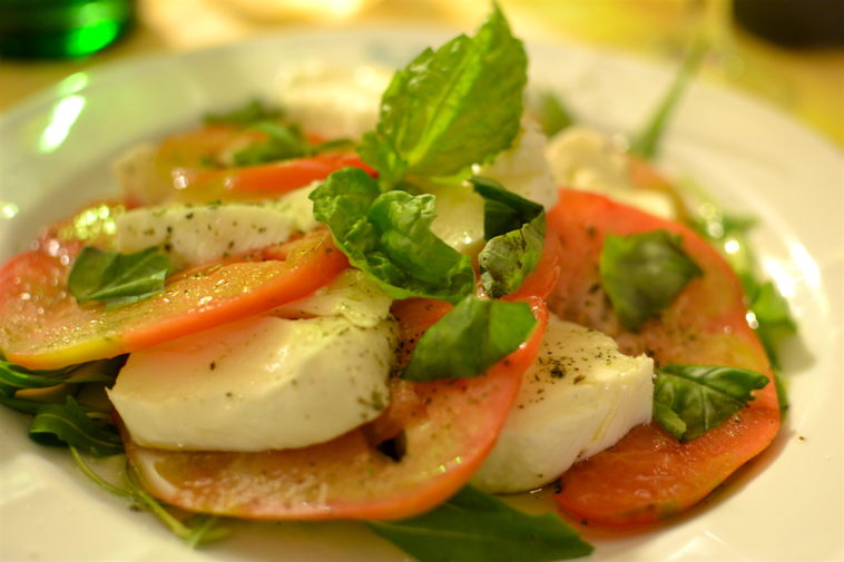 Italia_food_insalata caprese