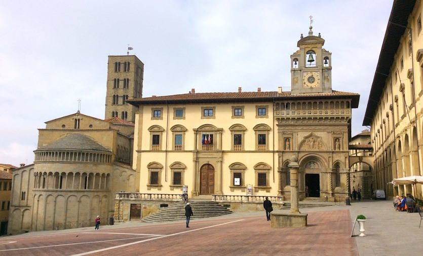 arezzo_piazza-grande_5