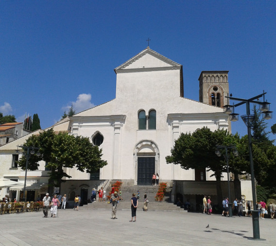 02. Ravello (2)_Duomo si Piata Centrala